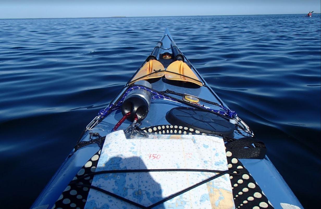 Terhi Mäkiniemi merikajakki kajakki merellä